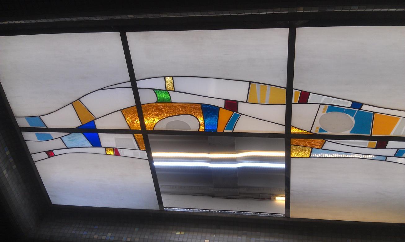 Витражная подсветка на потолке